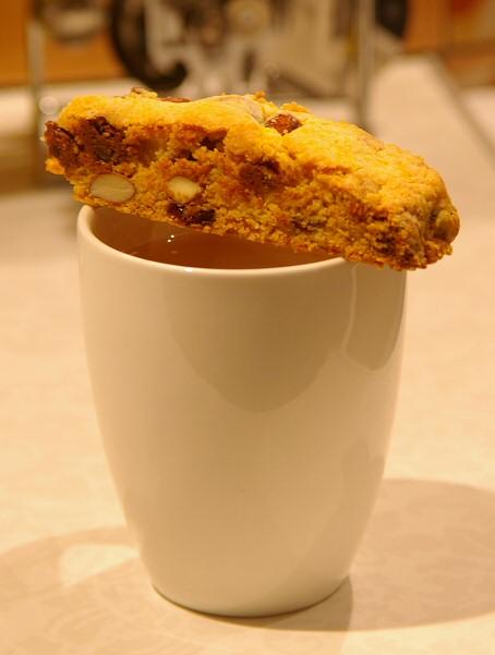 Biscotti su kavos pupelemis