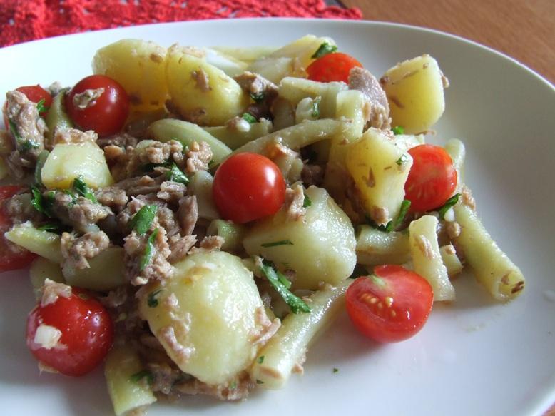 Tuno ir bulviu salotos