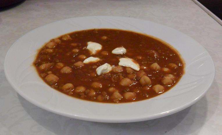 Marokietiska sriuba su avinzirniais ir lesiais